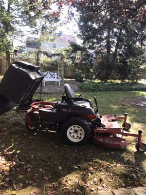 Toro zero turn with dump bagger for Sale in Newington, CT