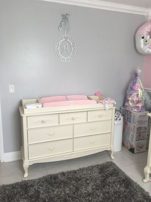 Changing Table Topper . Like new no scratches marks or dents for Sale in Lake Worth, FL