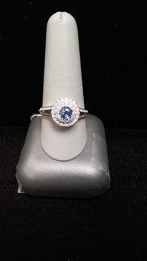 Lady's cluster ring for Sale in Ingleside, TX