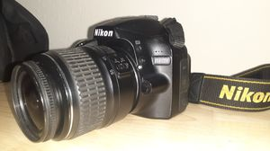 Nikon D3200 digital SRL camera w/18-55mm lens for Sale in Tampa, FL