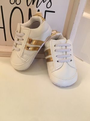 Baby sneakers size 3-6 months for Sale in Los Angeles, CA