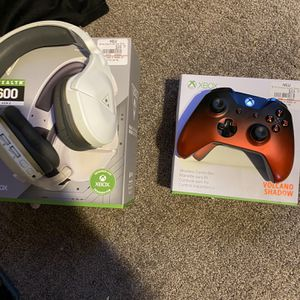 Xbox One Volcano Shadow Controller In Box With Turtle Beach Headset MSRP 190$ Asking 90 Obo for Sale in Mesa, AZ