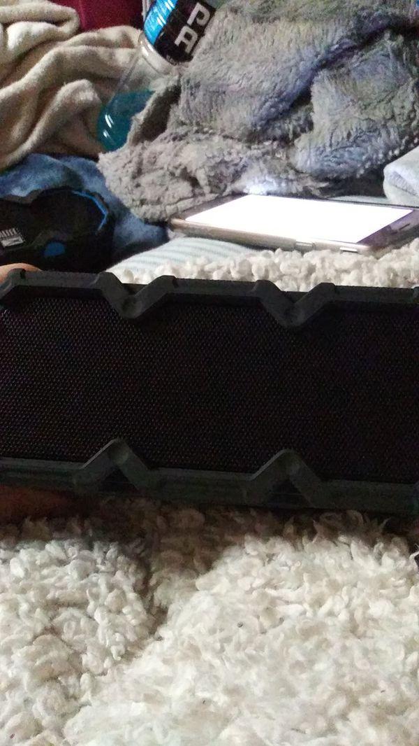 Altec Lansing Life Jacket Jolt Bluetooth speaker