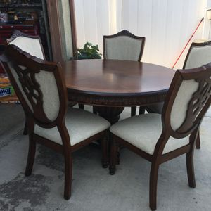 Table And Chairs for Sale in Porterville, CA