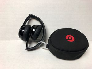 Beats Solo 3 Wireless Headphones with case for Sale in Miramar, FL