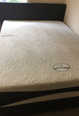 Signature sleep ,Gel memory mattress for Sale in Cary, NC