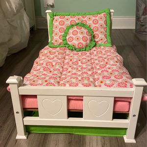 Bed for 18inch dolls for Sale in Lombard, IL