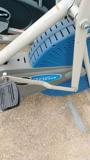 EXERCISE EQUIPMENT for Sale in St. Louis, MO