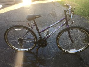Girl's/women's Pacific bicycle for Sale in Columbus, OH