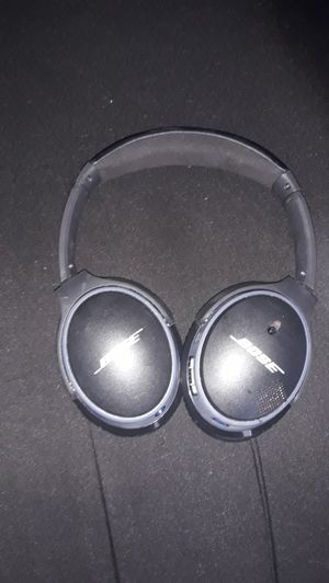 Bose bluetooth headphones for Sale in Richmond, CA