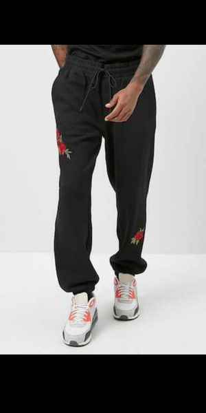 Forever 21 Rose Print Joggers NEW for Sale in Long Beach, CA