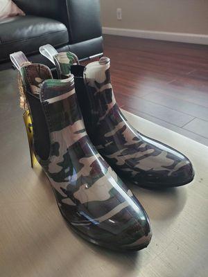 Size 7 SEVEN rain boots for Sale in San Jose, CA