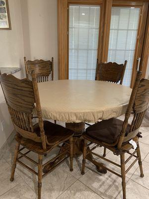 Clawfoot pedestal table and chairs for Sale in Henderson, NV
