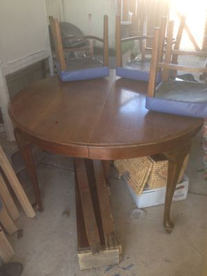 Vintage dining table & 6 chairs for Sale in Mesa, AZ
