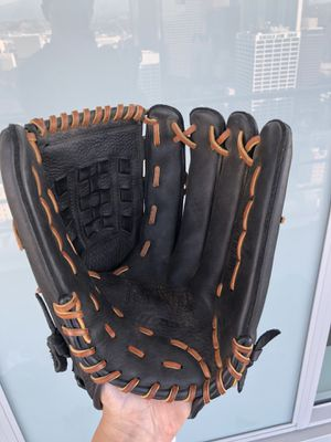 Mizuno GMVP-1300: right hand throw for Sale in Los Angeles, CA