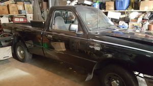 Ford ranger automatic in Aurora for Sale in Aurora, IL