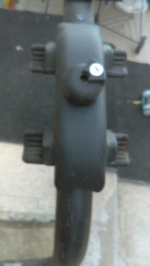 Hitch mount bike rack holds 4 bikes has key & dose lock for Sale in Denver, CO