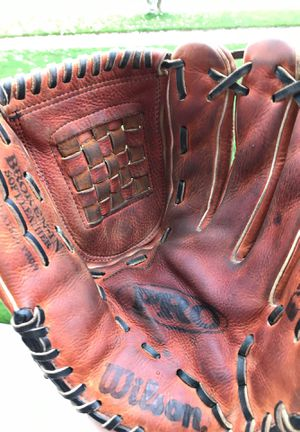 Wilson A1930 Pro9 12.5 inch baseball softball glove / mitt for Sale in Orland Hills, IL