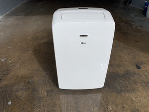 LG air conditioner portable LP1017WSR 10,200 BTU for Sale in Houston, TX