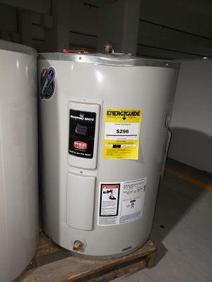 Water heater for Sale in Phoenix, AZ