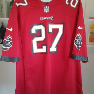 TAMPA BAY BUCCANEERS JERSEY for Sale in Rolling Hills Estates, CA