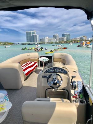 Bentley Boat Miami Pontoon Rental for Sale in Miami Beach, FL
