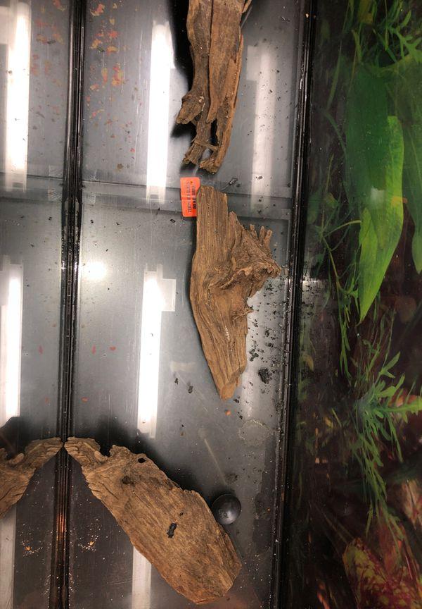 60 gallon aquarium fish tank w/stand and accessories