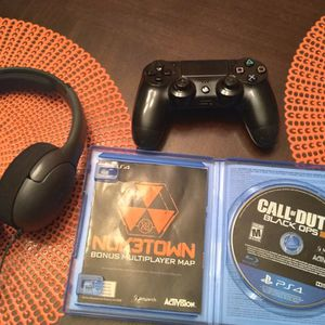 PS4 Controller, Playstation Headphones, COD 3, And 1TB HD for Sale in Surprise, AZ