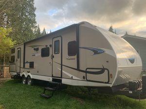 Coachmen Freedom Express Travel Trailer 31ft for Sale in Monroe, WA