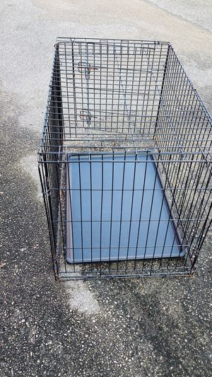 Large dog crate for Sale in Clermont, FL