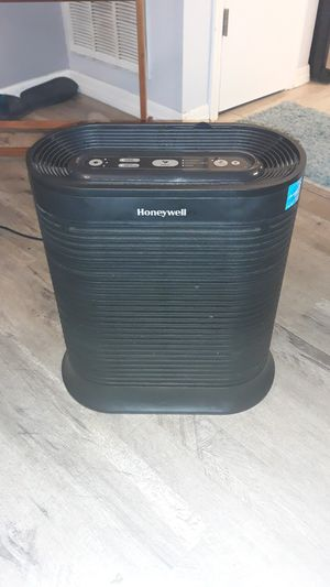 HEPA Air Purifier with Allergen remover for Sale in Spring Hill, FL