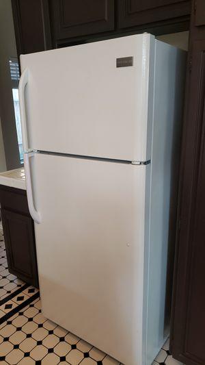 White Frigidaire Top Freezer Fridge for Sale in Lancaster, CA