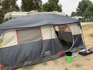 Camping tent fits up to 16 people for Sale in Rancho Dominguez, CA