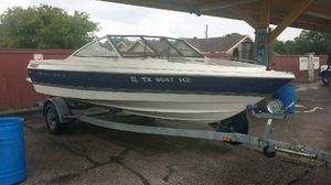 Boat- inboard Bayliner Capri for Sale in San Antonio, TX