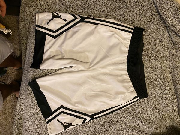 Jordan basketball shorts medium