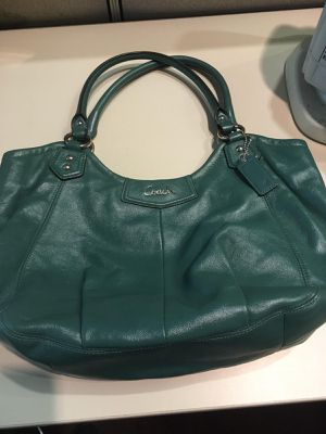 Coach Ashley Leather Hobo handbag for Sale in Glen Burnie, MD