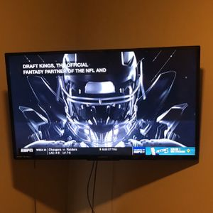 50 Inch TV With Wall Mount for Sale in Denver, CO