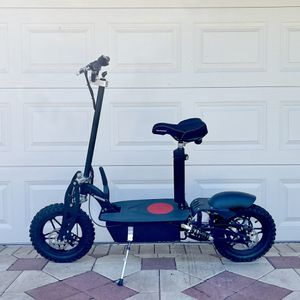 Electric scooter, 1800 Watts in NEW condition for Sale in Palm Harbor, FL