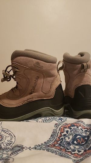 Hiking/rain boots for Sale in Chula Vista, CA