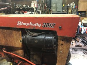 Simplicity 3012 Lawn & Garden Tractor for Sale in Maple Valley, WA