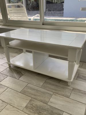 Coffee table for Sale in Englewood, FL