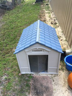 Dog house large for Sale in Davenport, FL