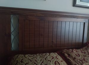 Bedroom set priced to move for Sale in Gulf Breeze, FL