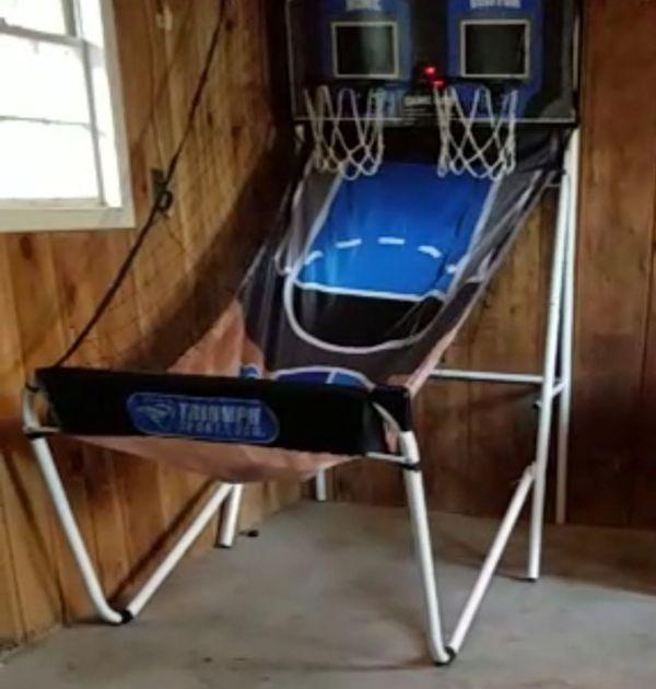 Arcade basketball hoop