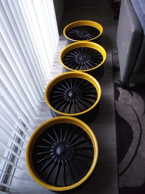 22 inch rims for Sale in San Fernando, CA