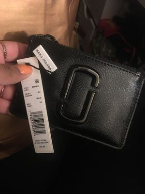 MARC JACOBS WALLET (WRISTLET) for Sale in Los Angeles, CA