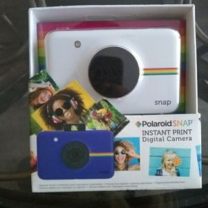 Brand New Polaroid Camera Portable for Sale in Hyattsville, MD