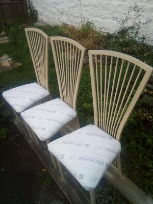 Kitchen chairs.need Upholstery for Sale in St. Louis, MO