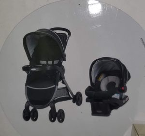 Car seat and stroller travel system for Sale in Cincinnati, OH