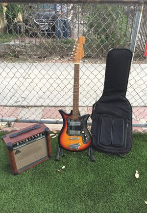 Tiesco model ET-210 with gig bag and Behringer 15-watt ultra-acoustic instrument amp for Sale in South Gate, CA